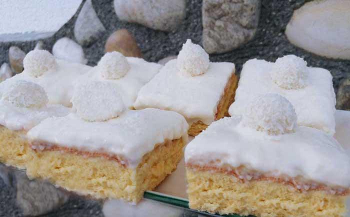 Raffaelo Kokosschnitte | Blechkuchen | Kokospudding Schnitten | Conny's Küchlein