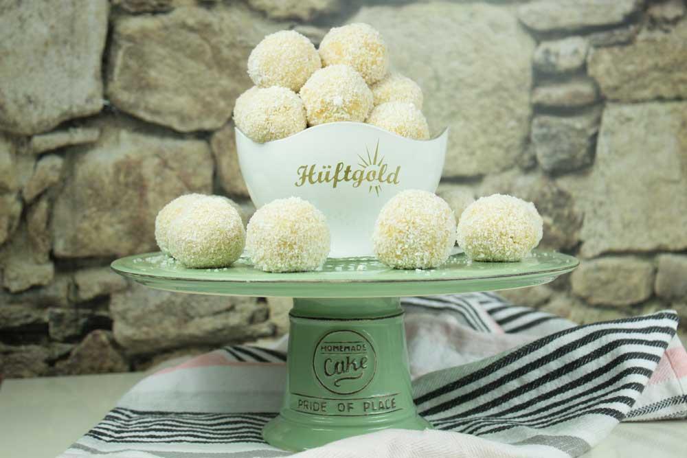 Süße Vanille Schneebälle Biskuitteig-Conny's-Küchlein