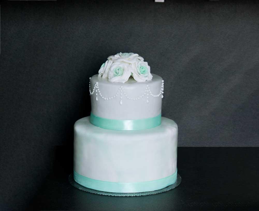 Hochzeitstorte_mint_roses_marble_4